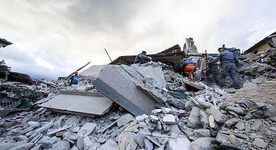 Preghiera e solidarietà per le popolazioni colpite dal sisma, l'appello del Vescovo