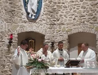 seminaristi-e-giovani-a-Greccio-019