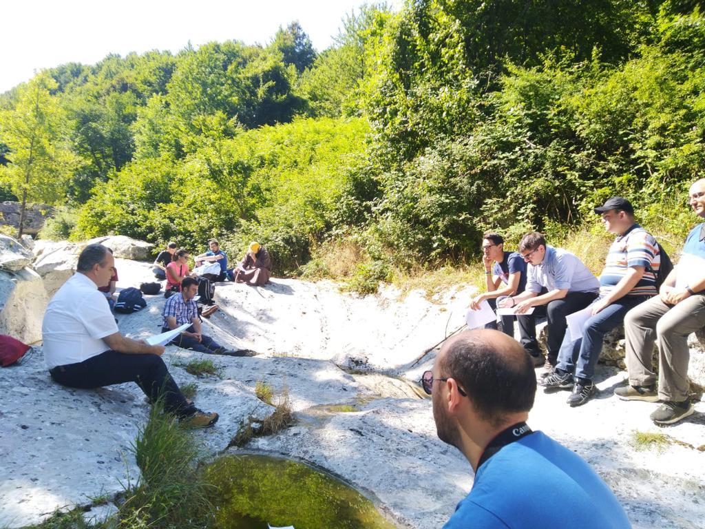 seminaristi-e-giovani-a-Roccamorice-017